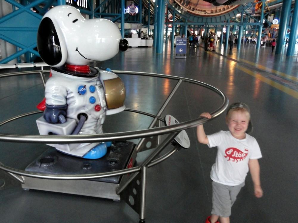 Radosny Snoopy - maskotka NASA