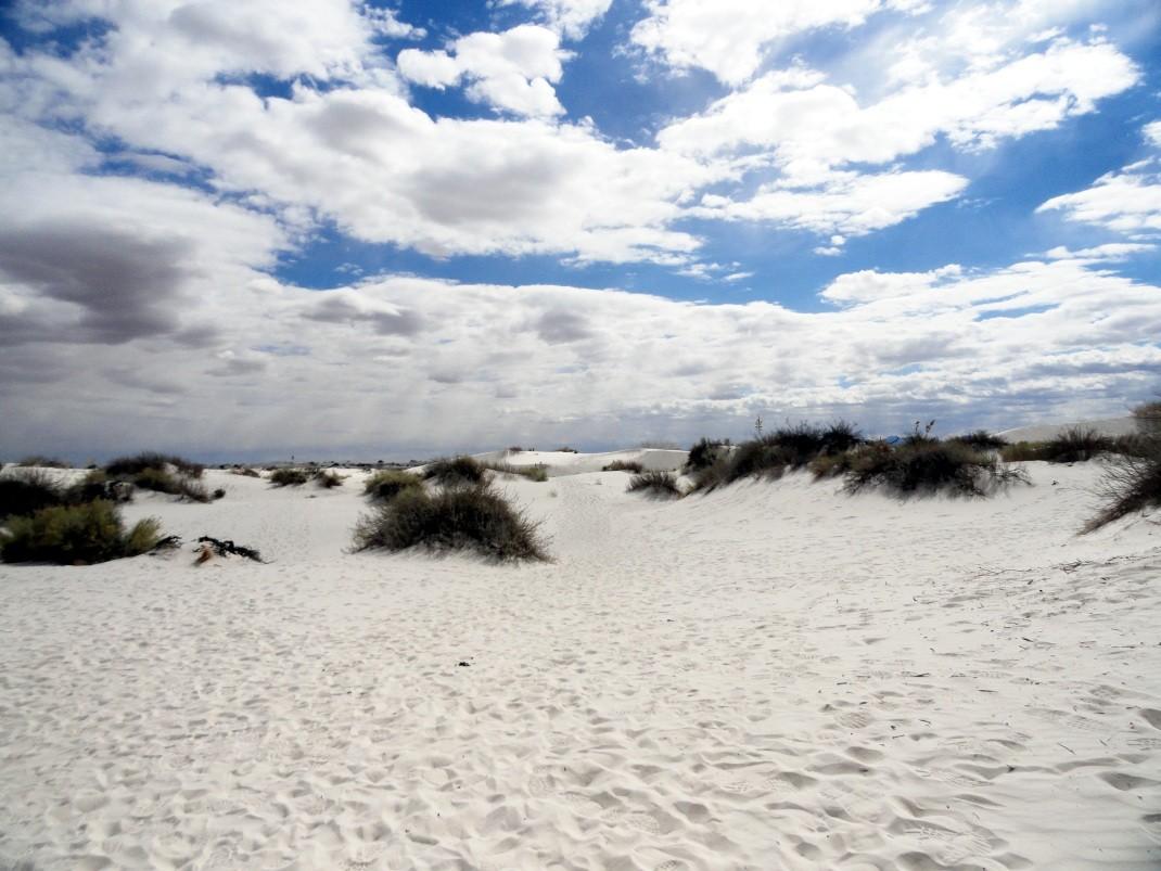 White Sands: białe piaski w cieniu rakiet
