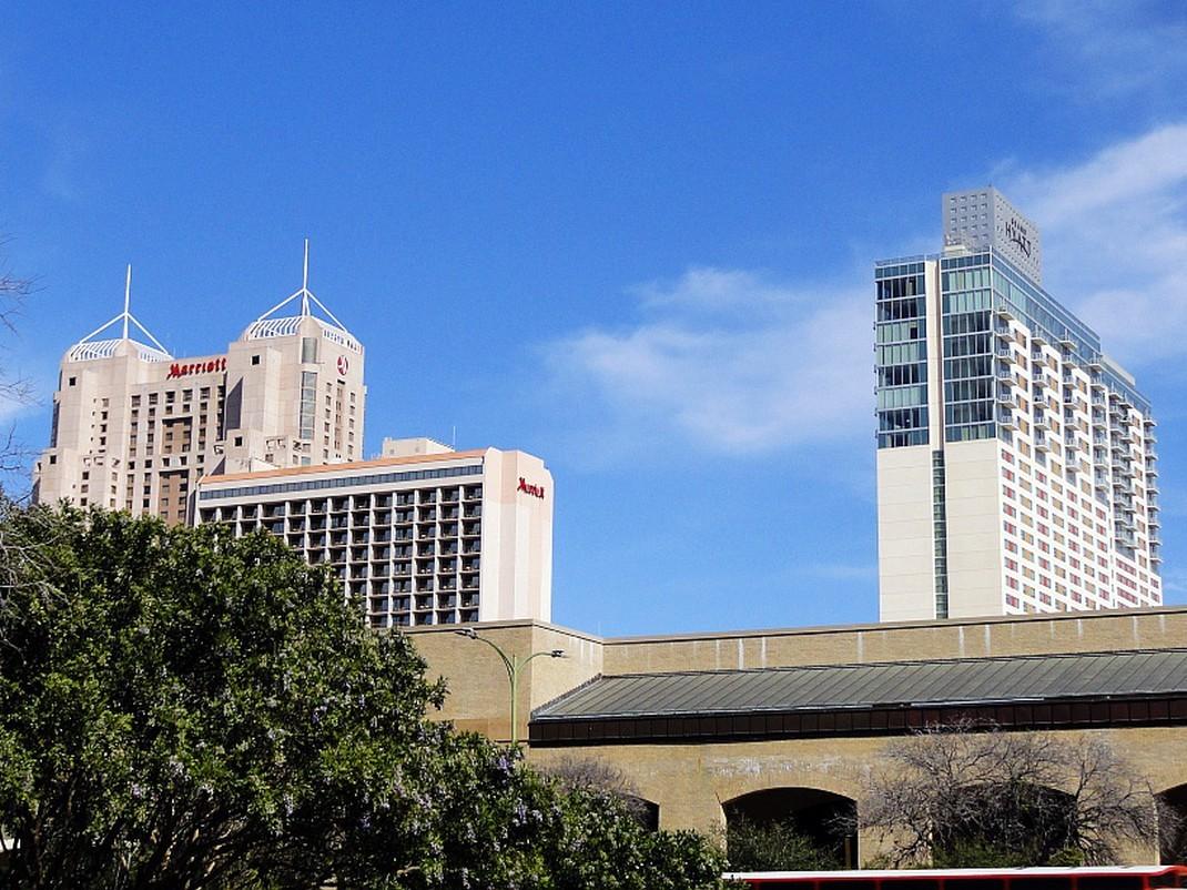 Hotelowe potworki w San Antonio