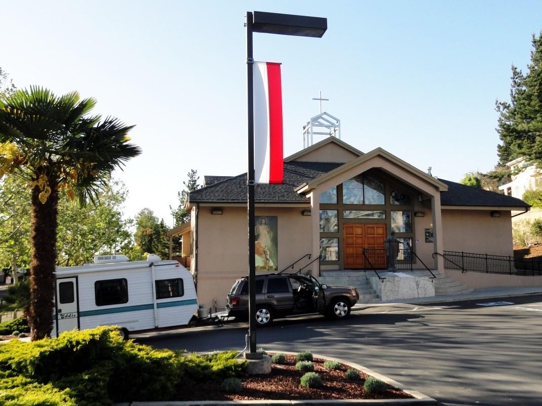 """Nasza """"baza wypadowa"""" - polski kościół w San Jose"""