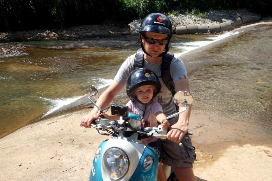 Wypożyczenie skutera w Tajlandii i Laosie