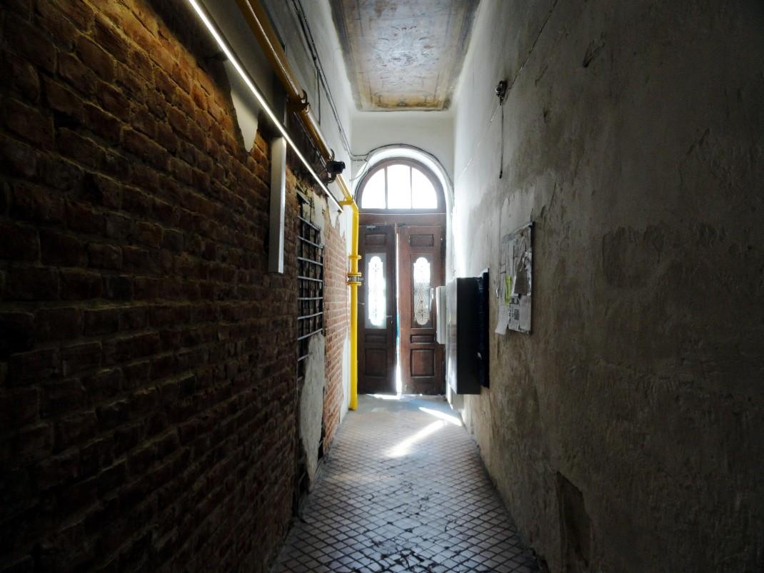 Lwów. Wejście do Hotelu 39