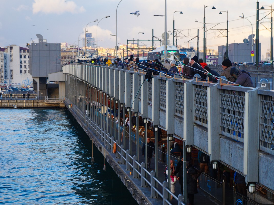 Co robić w Stambule. Most Galata