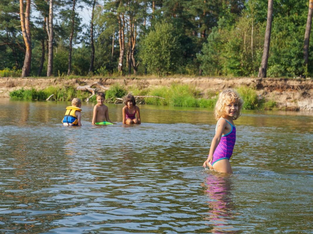 Rodzinny spływ kajakowy po Pilicy