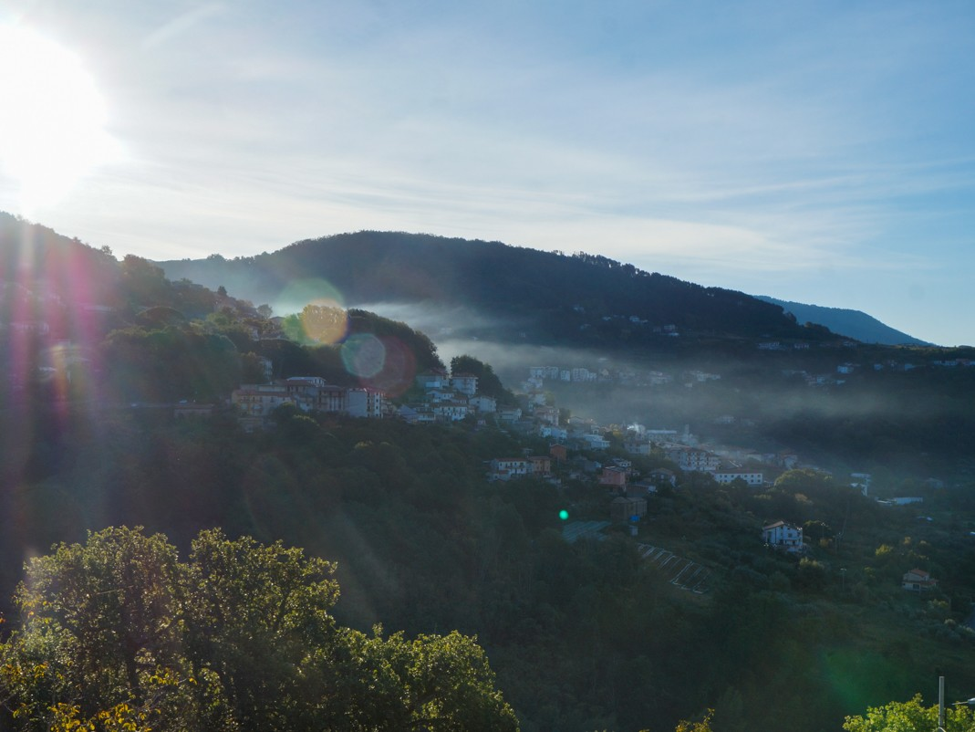 Kalabria. Poranek w górach