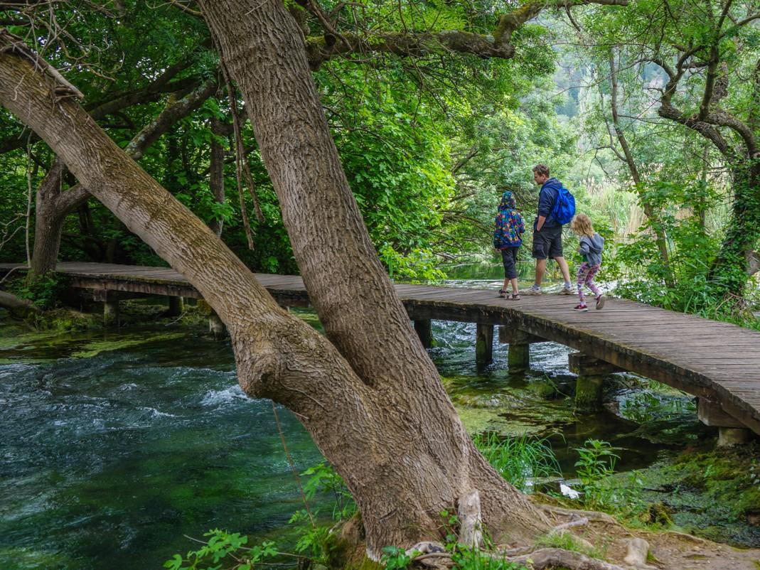 Park Narodowy Krka. Drewniany chodnik do wodospadu Skradinski Buk
