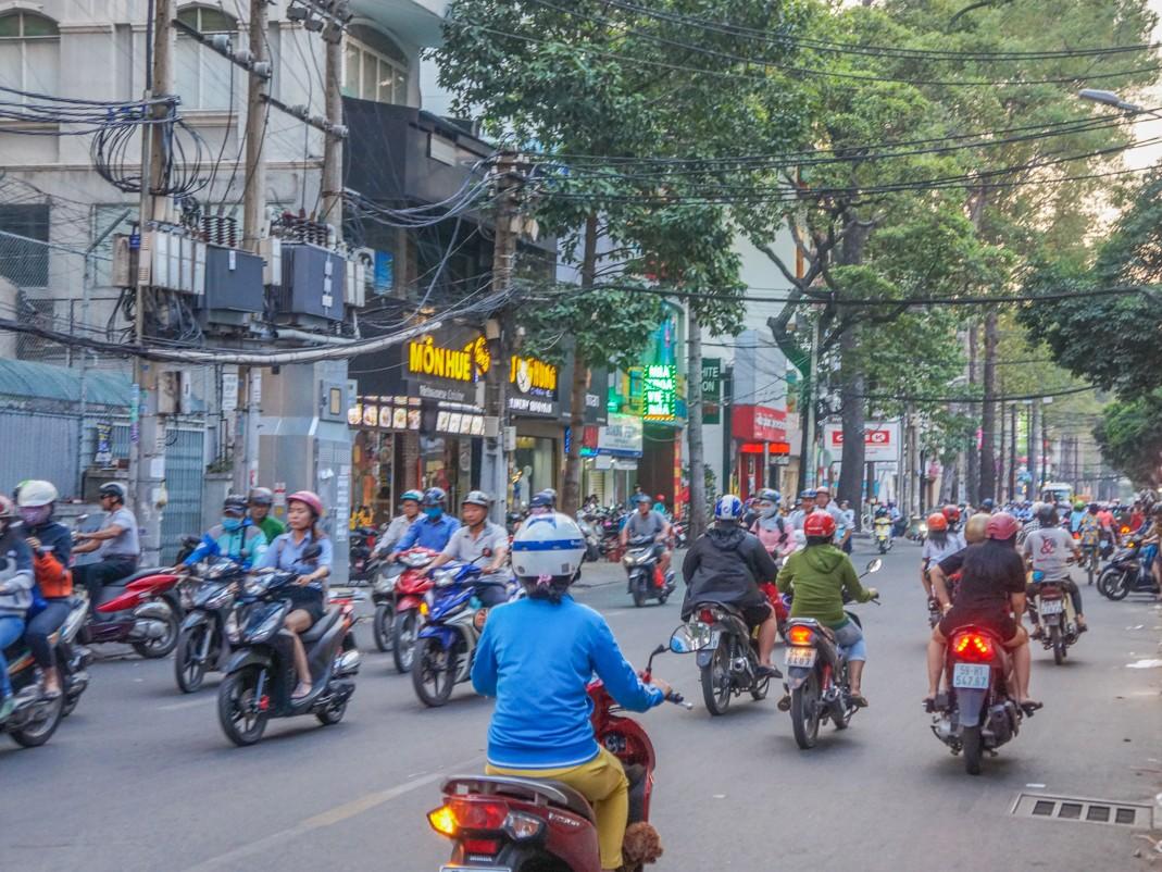 Jazda skuterem w Wietnamie