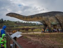 Brontozaur - dobry dinozaur na niepogodę