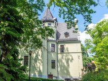 Zamek w Rogowie Opolskim - dom pod Kogutkiem