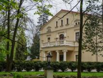 Dwór Dębowiec. Hotel i SPA wśród stawów