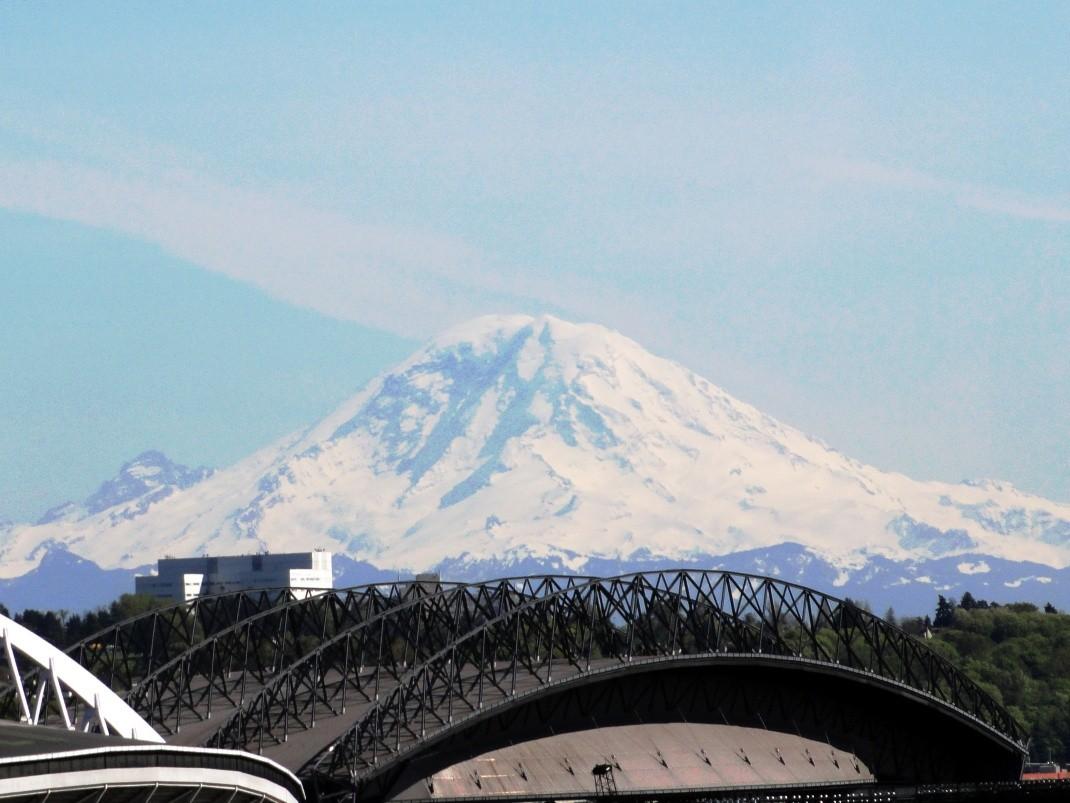 Ośnieżone wulkany pacyficznego pierścienia ognia