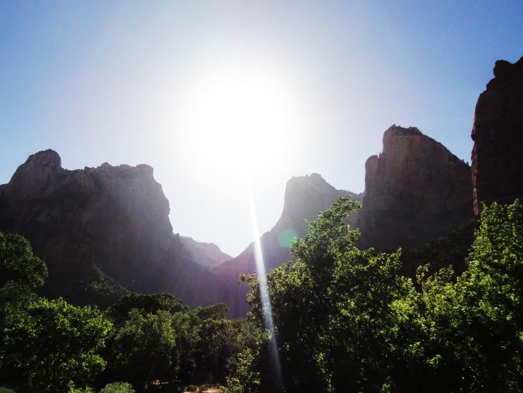 Słońce nad Zion