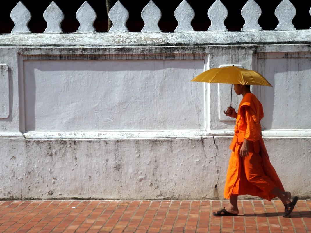 Luang Prabang: kolonialna cepelia z wodospadami w tle