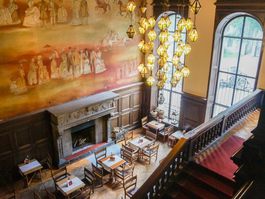 Zamek w Mosznej. Przepiękne wnętrza restauracji