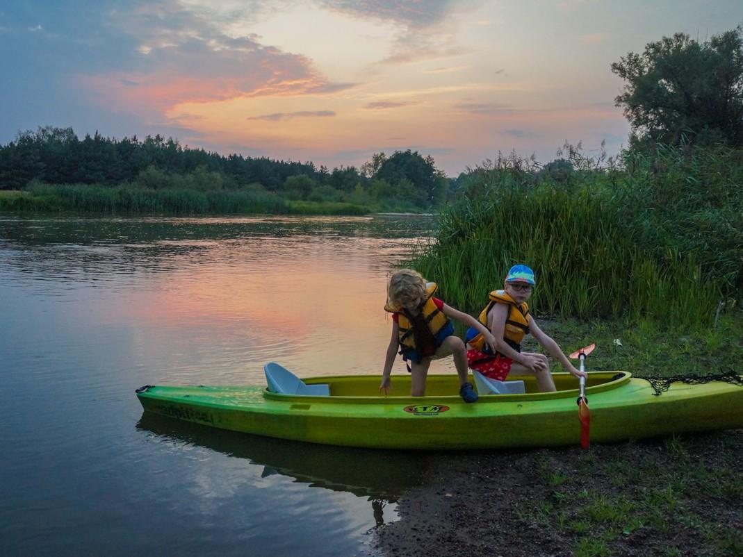 Pilica. Spływ kajakowy z dziećmi