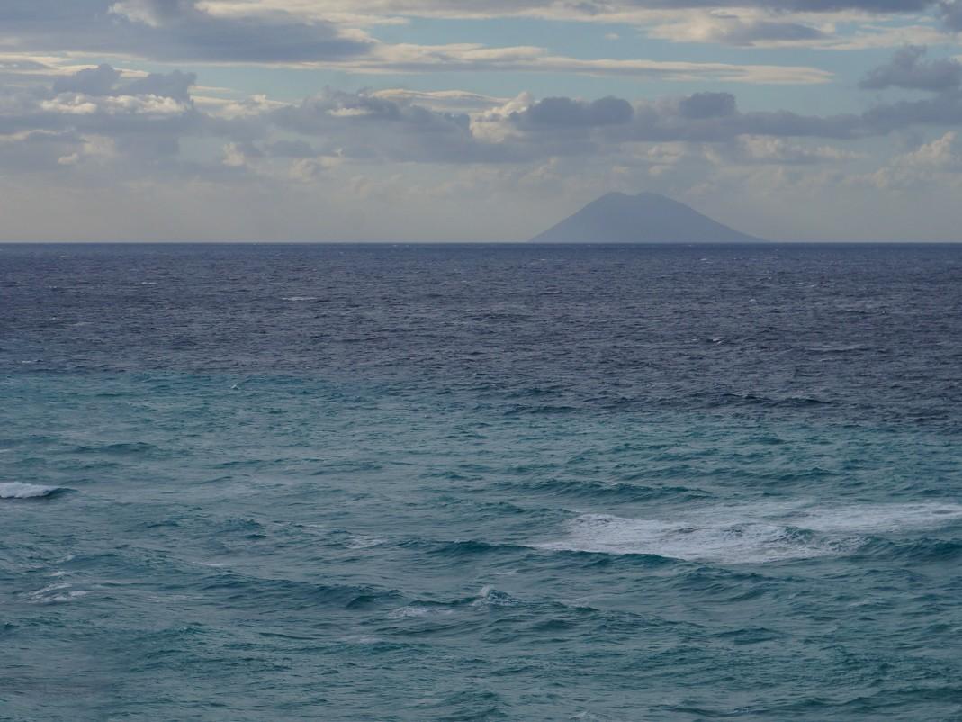 Zachodnie wybrzeże Kalabrii. Wulkan Stromboli