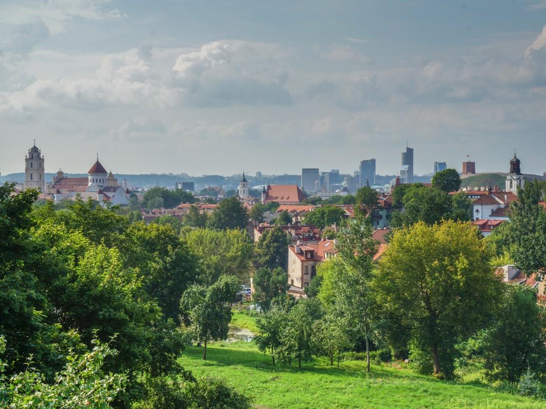 Wilno. Panorama miasta z punktu widokowego na Subačiaus.
