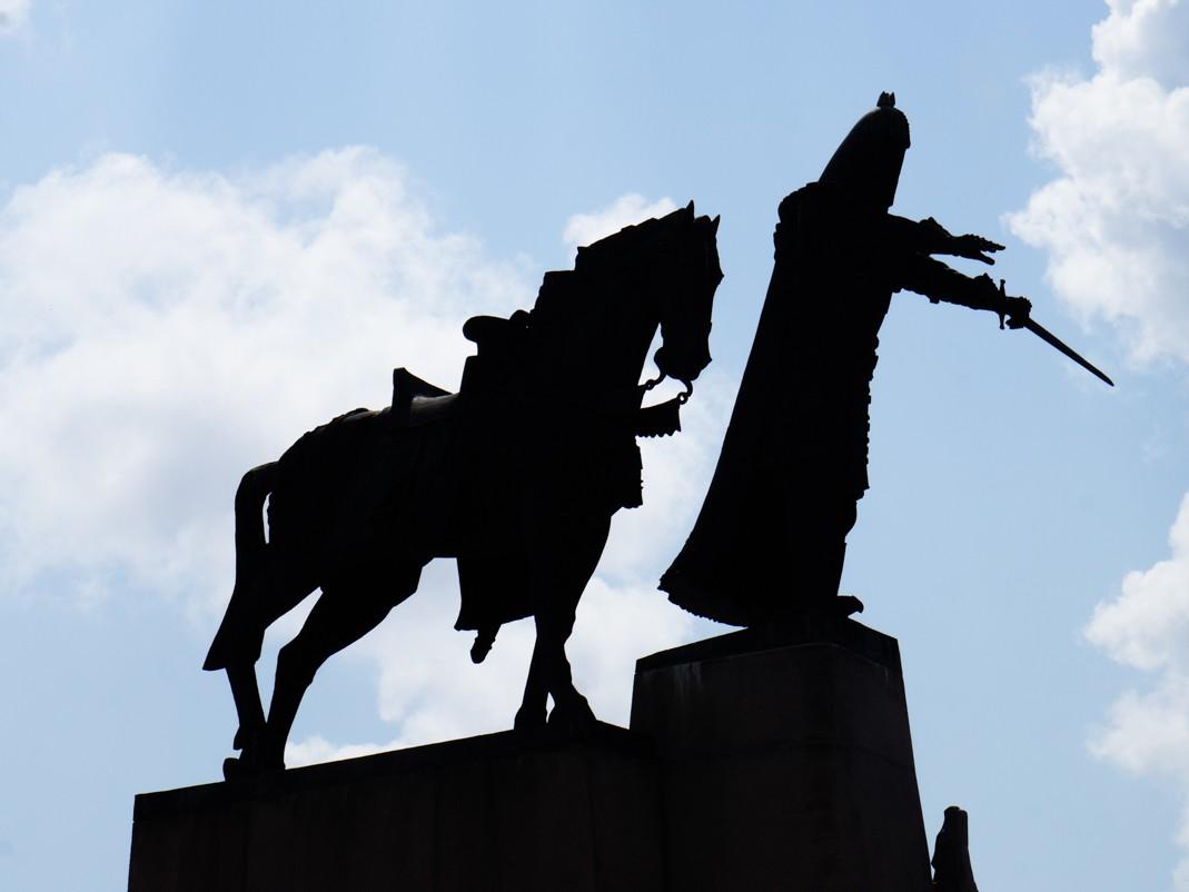 Wilno atrakcje. Pomnik Giedymina. Plac Katedralny
