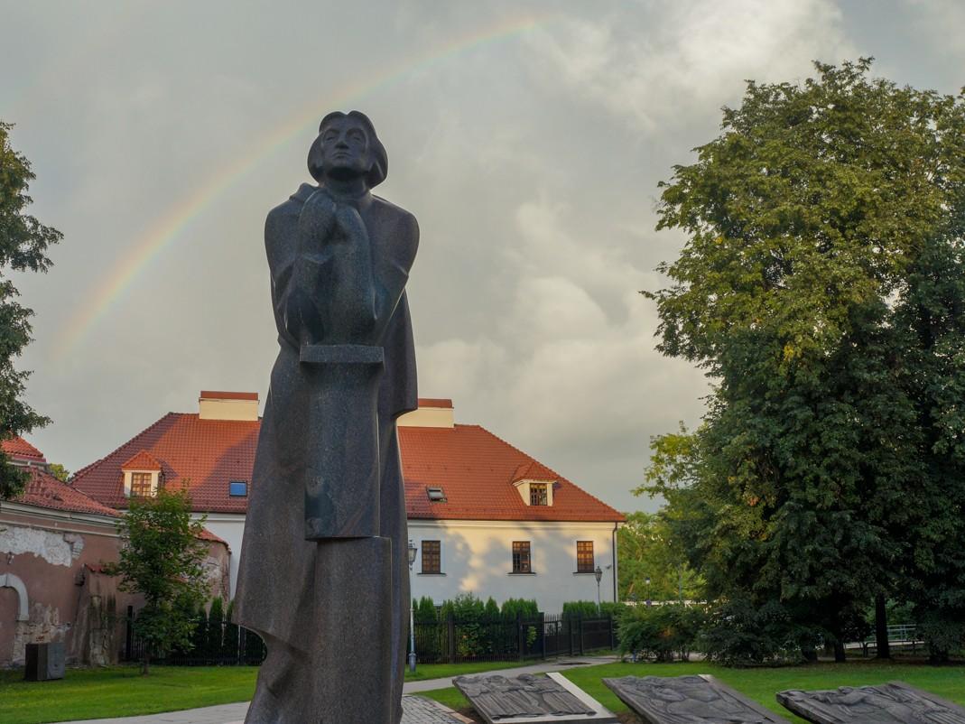 Pomnik Adama Mickiewicza w Wilnie, co zobaczyć w wilnie, atrakcje wilna