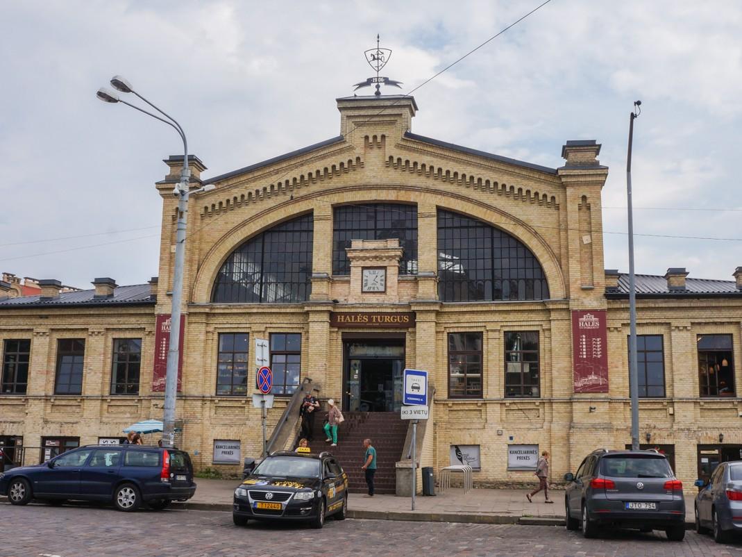 Hala Targowa w Wilnie, co robić w Wilnie, Wilno na weekend, spacer po wilnie