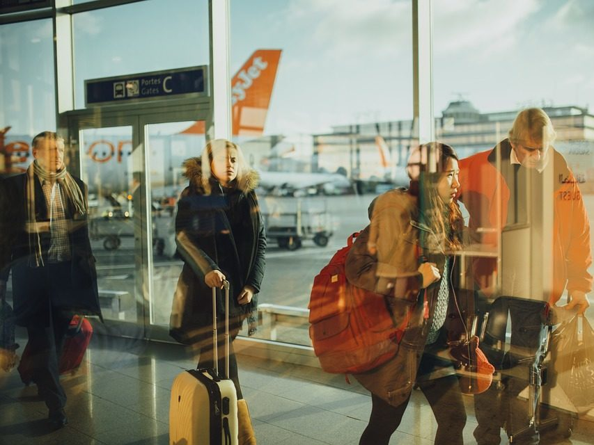Jak znaleźć tanie bilety lotnicze