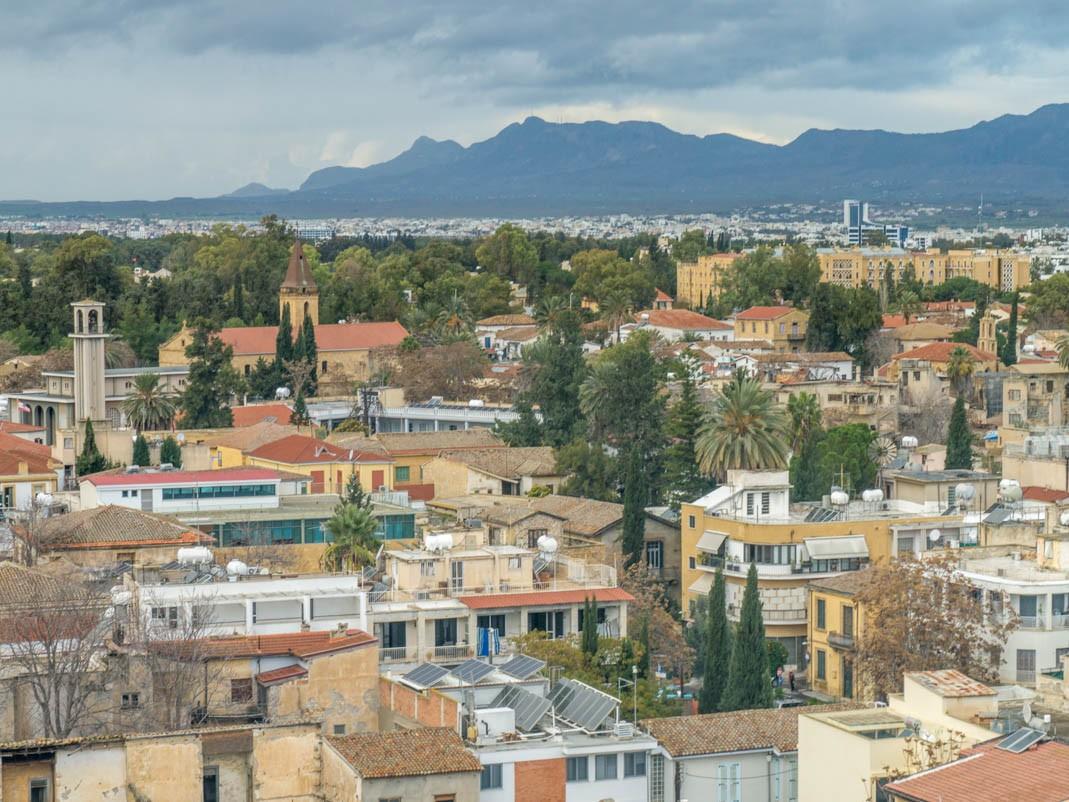 Co zobaczyć w Nikozji? Widok na Nikozję z Shacolas Tower