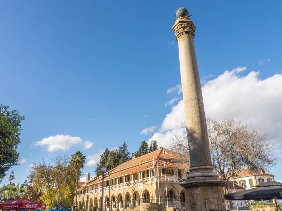 Atrakcje północnej Nikozji: plac Ataturka