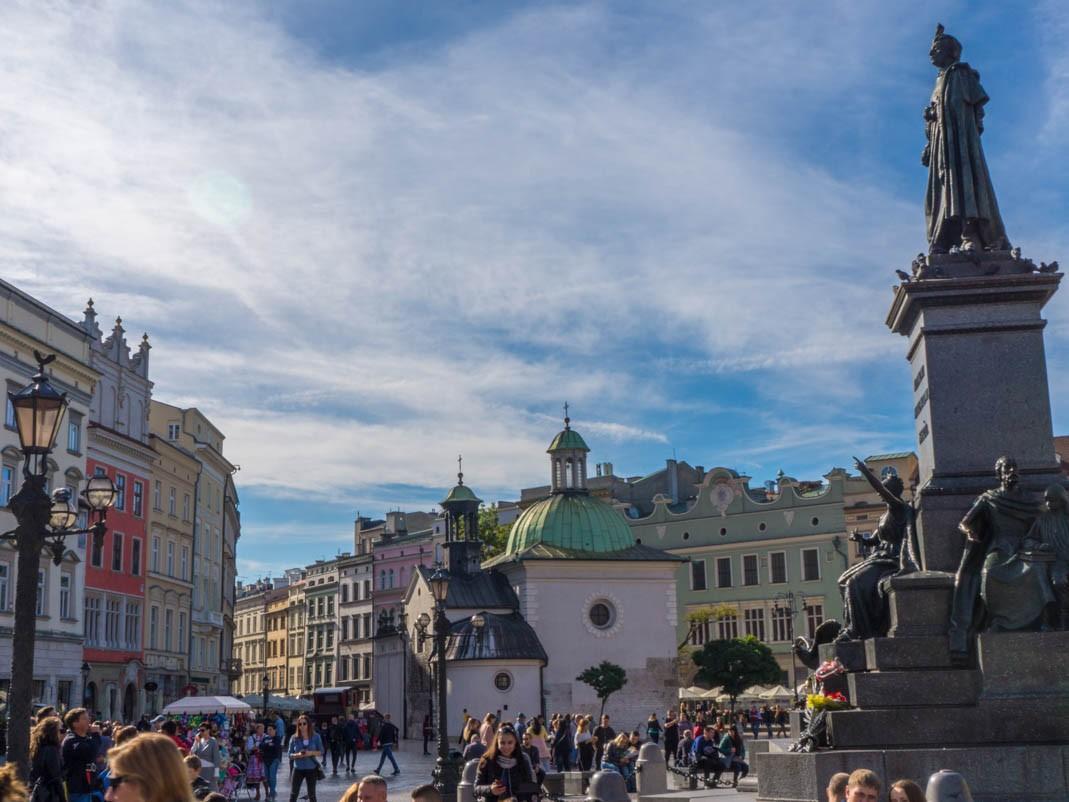 Co robić w Krakowie z dziećmi. Spacer po Rynku Głównym