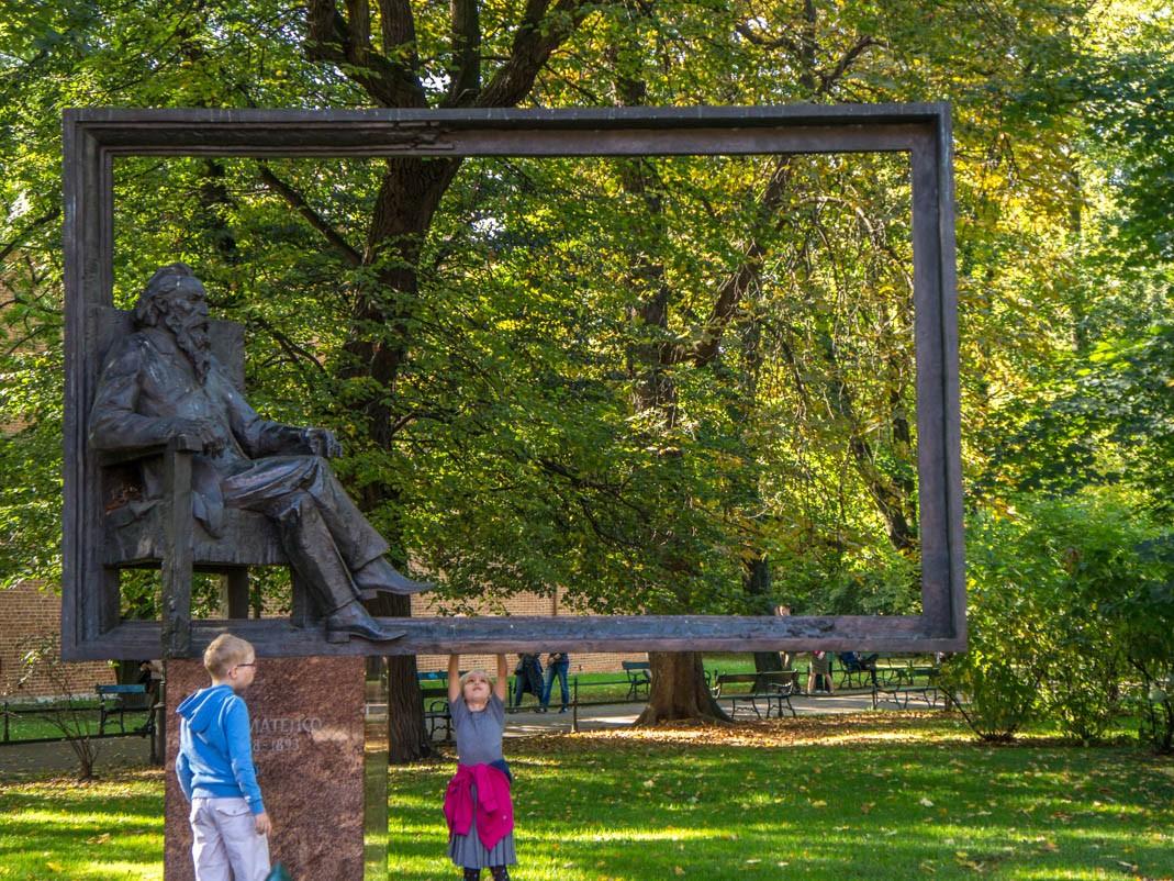 Spacer po Krakowie - pomnik Jana Matejki