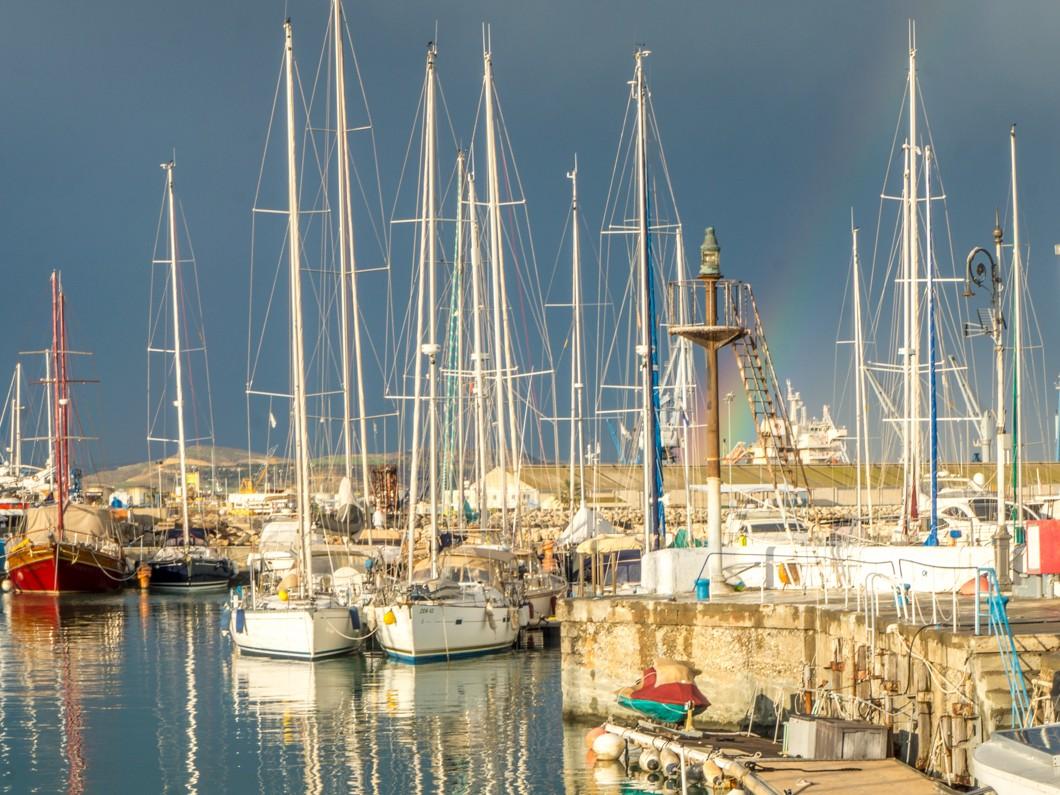 Larnaka poza sezonem. Marina